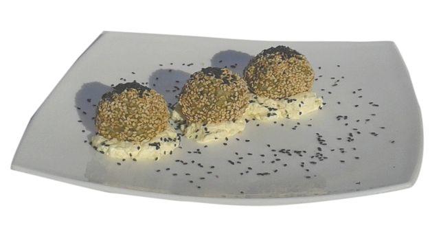 Okruglice od tofua i špinata sa sezamom